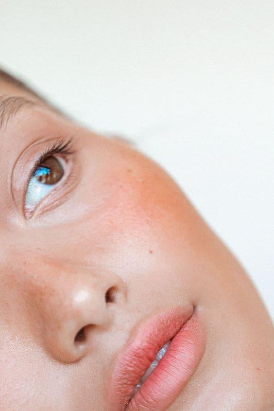 Sonnengeküsst und ohne UV-Strahlung:  Unsere liebsten Bronzer