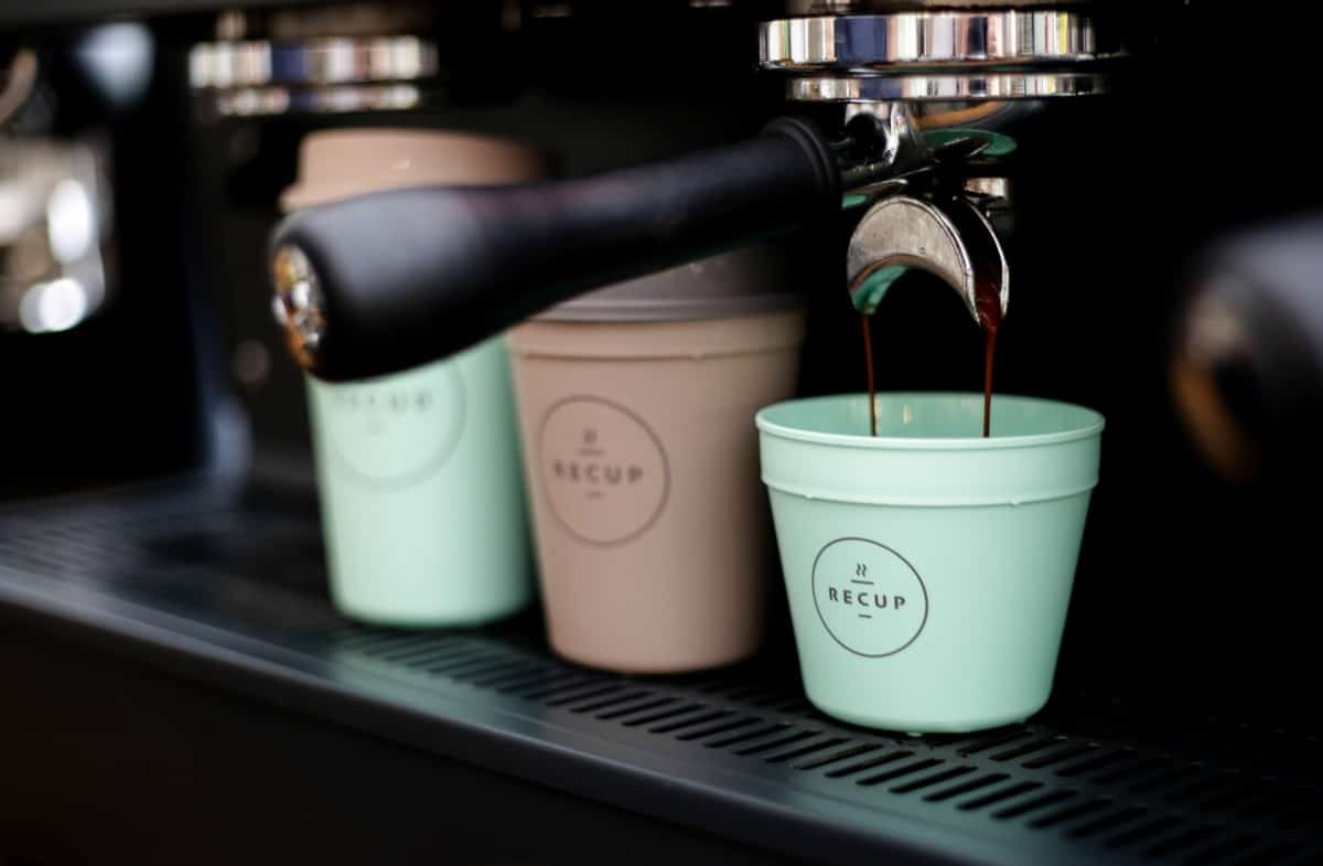 Dein Coffee-to-go wird jetzt nachhaltig. Wie? Das erklären wir dir hier