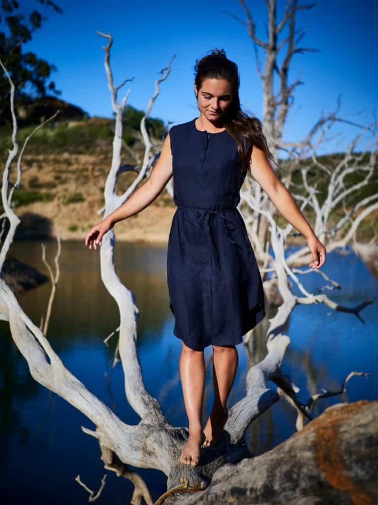 Bestseller: Kleid aus leichtem TENCEL®-Leinen-Mix. Erhältlich um € 99,90 über jojeco.de