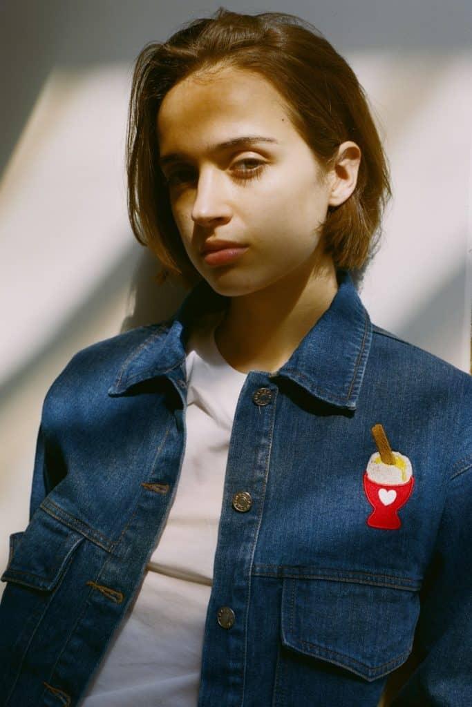 Die neue Kollektion umfasst auch Jeans- und Bomberjacken. Um € 85,- via keurparis.fr. ⓒ Keurparis