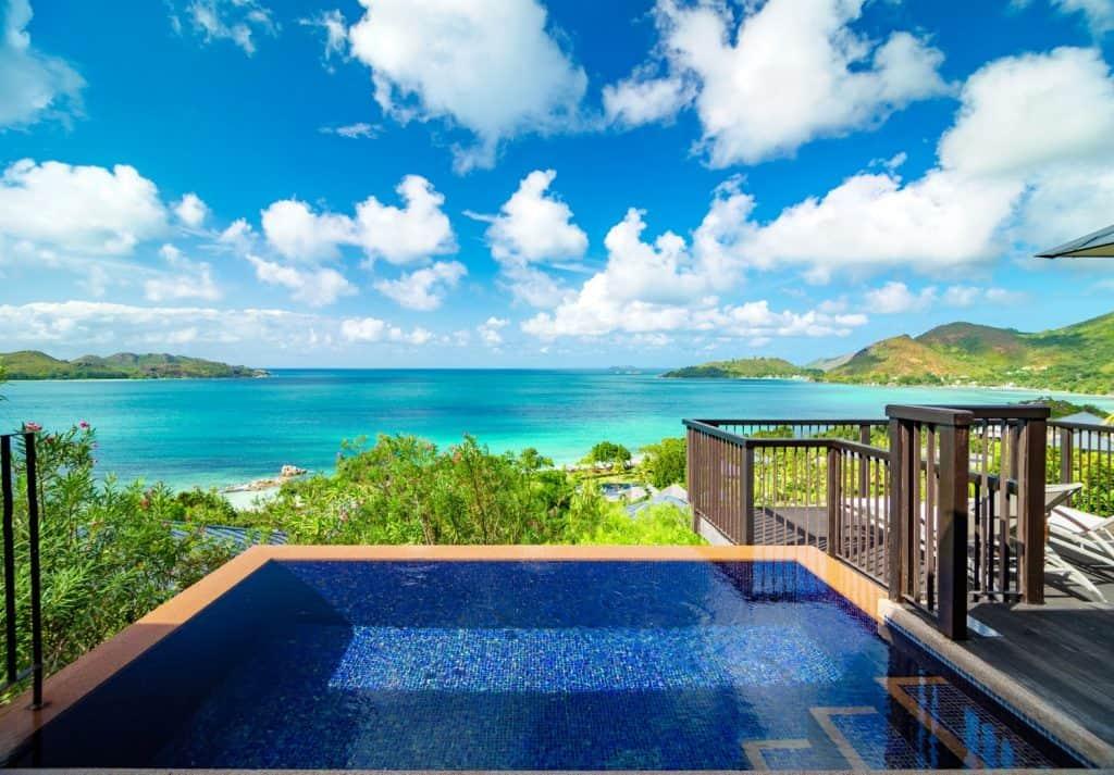 Im Raffles Seychelles mit Yoga- und Meditationseinheiten zum gestärkten Ich