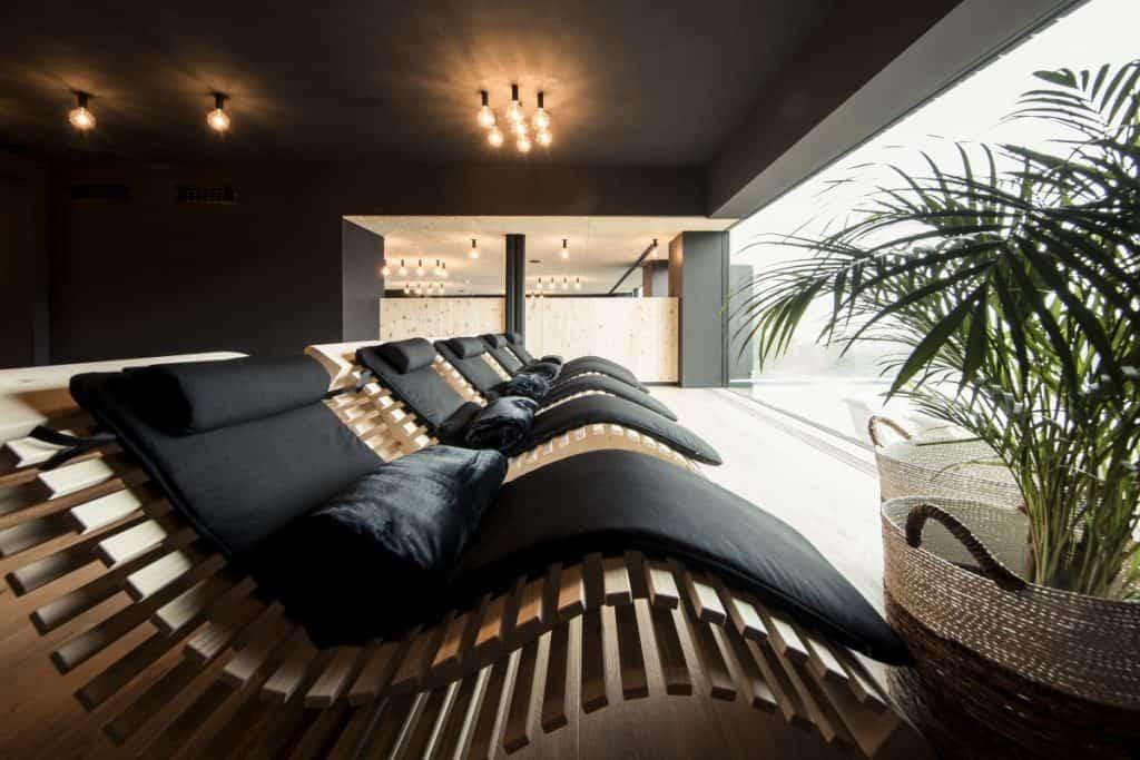 Auf über 2.000 Quadratmetern indoor und outdoor relaxt es sich im Pfösl besonders schön.