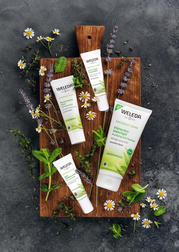 Das Powertrio aus Weidenrinde, Hamamelis und Süßholz hilft gegen unreine Haut!  Photocredit: WELEDA