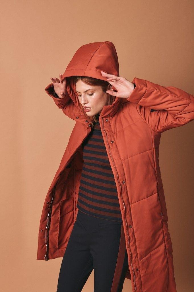 Feminine Schnitte & trendige Farben dominieren die neue Kollektion