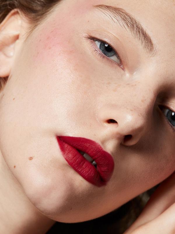 Lippenstift-Trend im Herbst: Dunkel und Matt