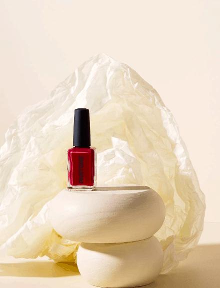 Roter Nagellack von Kester Black