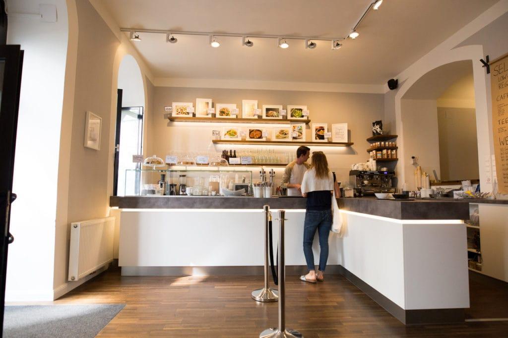 Die Health Kitchen steht für stilvolles Ambiente und gesundes Essen.